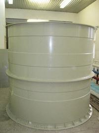 Пластиковая ёмкость для жидкостей